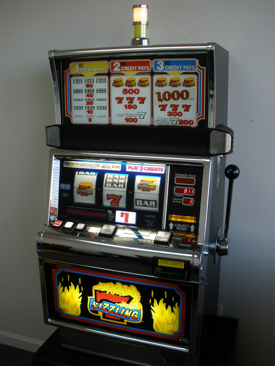 IGT SIZZLING 7s S2000 SLOT MACHINE For Sale • Gambler's