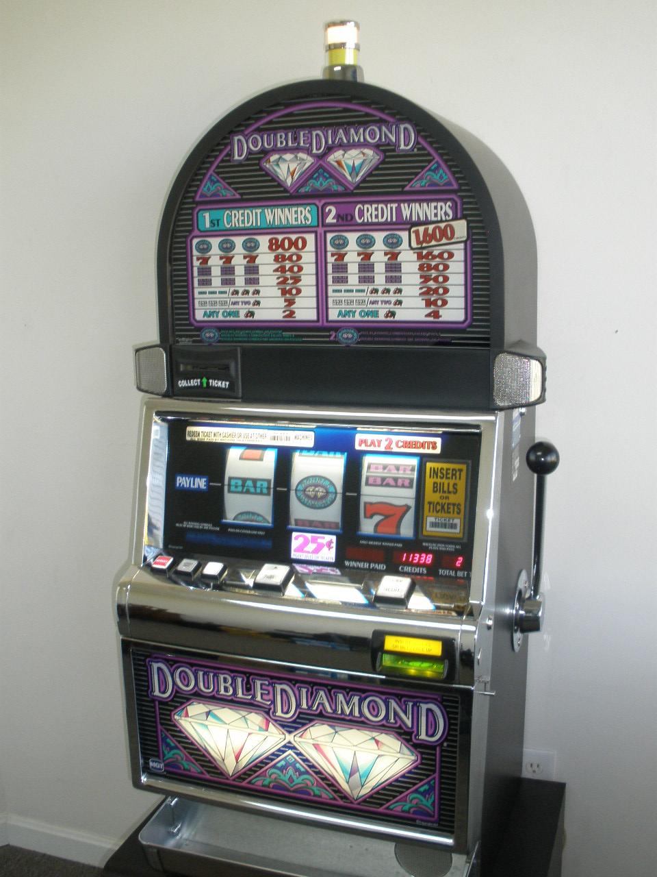 IGT DOUBLE DIAMOND ROUND TOP S2000 SLOT MACHINE For Sale \u2022 Gambler\u0026#39;s Oasis USA