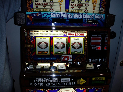 Double Diamond Slot Machine Handle Is Stuck