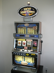 IGT CIGAR S2000 SLOT MACHINE WITH LIGHTED TOPPER
