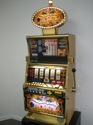 IGT CLEOPATRA FIVE REEL S2000 SLOT MACHINE WITH FREE SPIN BONUS AND LIGHTED TOPPER
