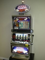 IGT DOUBLE DIAMOND RUN FIVE REEL WITH LIGHTED TOPPER AND FREE GAME BONUS