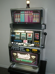 IGT DOUBLE DIAMOND S2000 SLOT MACHINE with QUARTER COIN HANDLING - THREE COIN (FLAT TOP - HARRAHS SLOT TOURNAMENT)