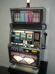 IGT DOUBLE DIAMOND S2000 SLOT MACHINE - QUARTER COIN HANDLING - THREE COIN (FLAT TOP)