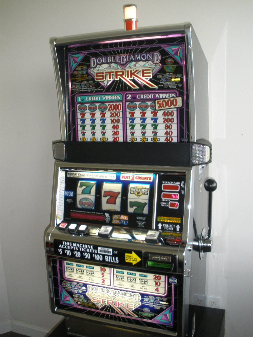 Black Diamond Slot Machine