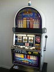 IGT DOUBLE DOLLARS STRIKE S2000 SLOT MACHINE WITH QUARTER COIN HANDLING