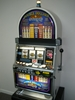 IGT DOUBLE DOLLARS STRIKE S2000 SLOT MACHINE WITH QUARTER COIN HANDLING -
