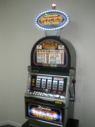 IGT DOUBLE RED HOT 777s FIVE REEL S2000 SLOT MACHINE WITH LIGHTED TOPPER