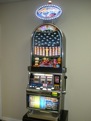 IGT MONEY MAD MARTIANS BARCREST S2000 SLOT MACHINE WITH LIGHTED TOPPER
