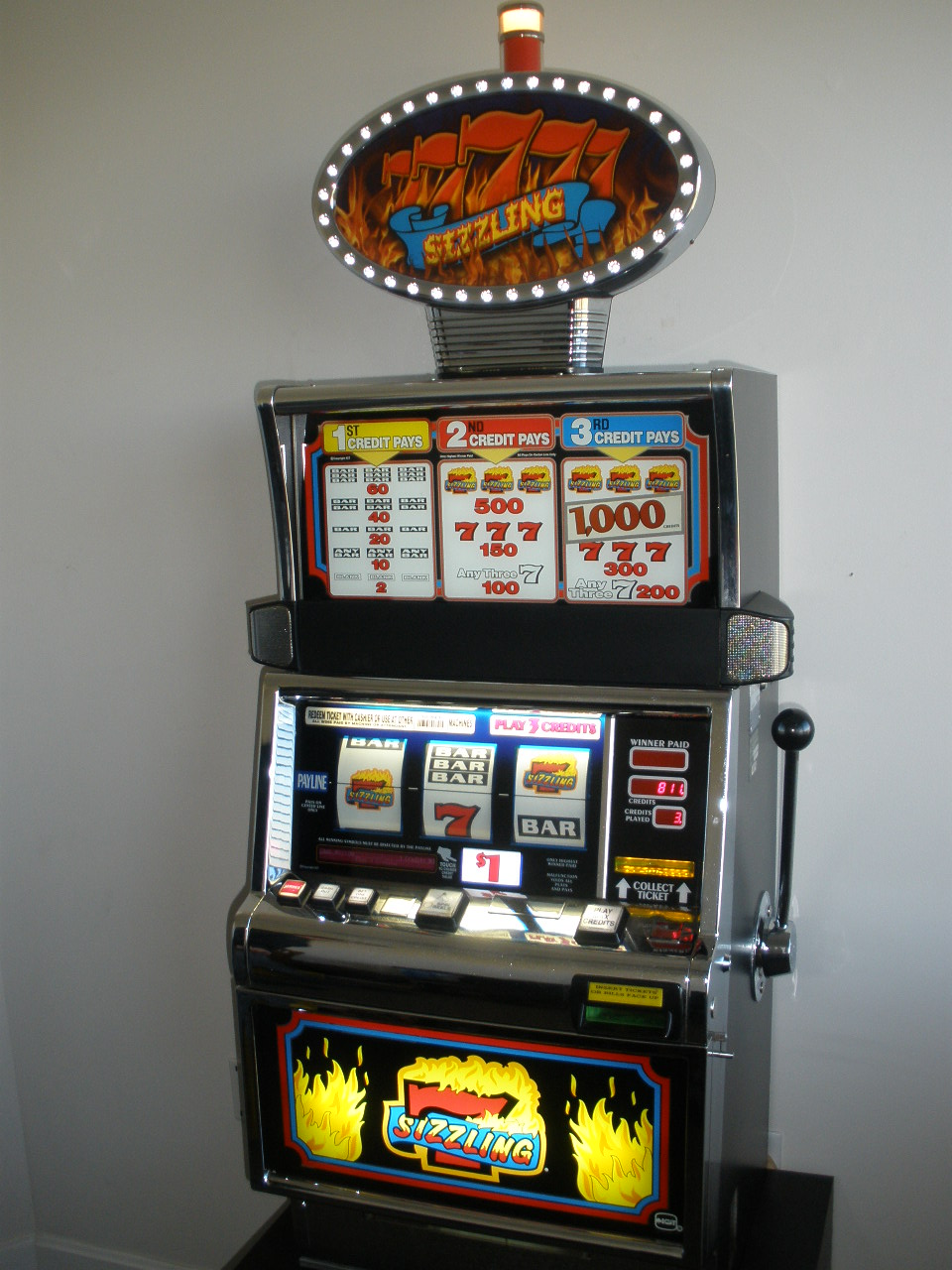 IGT SIZZLING 7s S2000 SLOT MACHINE WITH LIGHTED TOPPER For Sale \u2022 Gambler\u0026#39;s Oasis USA