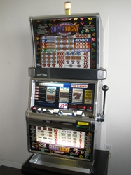 IGT SUPER LUCKY 2X3X4X5X TIMES PAY FIVE LINE S2000 SLOT MACHINE WITH QUARTER COIN HANDLING