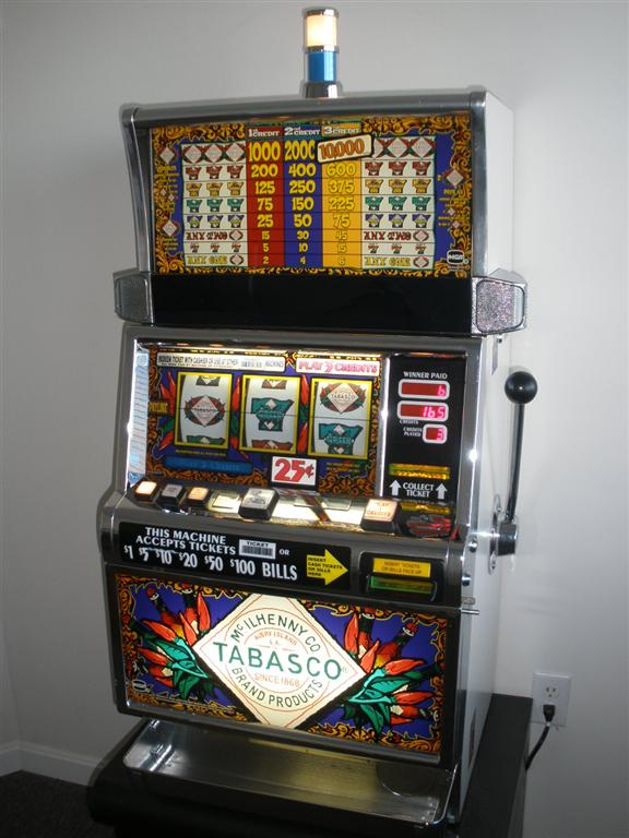 IGT TABASCO S2000 SLOT MACHINE