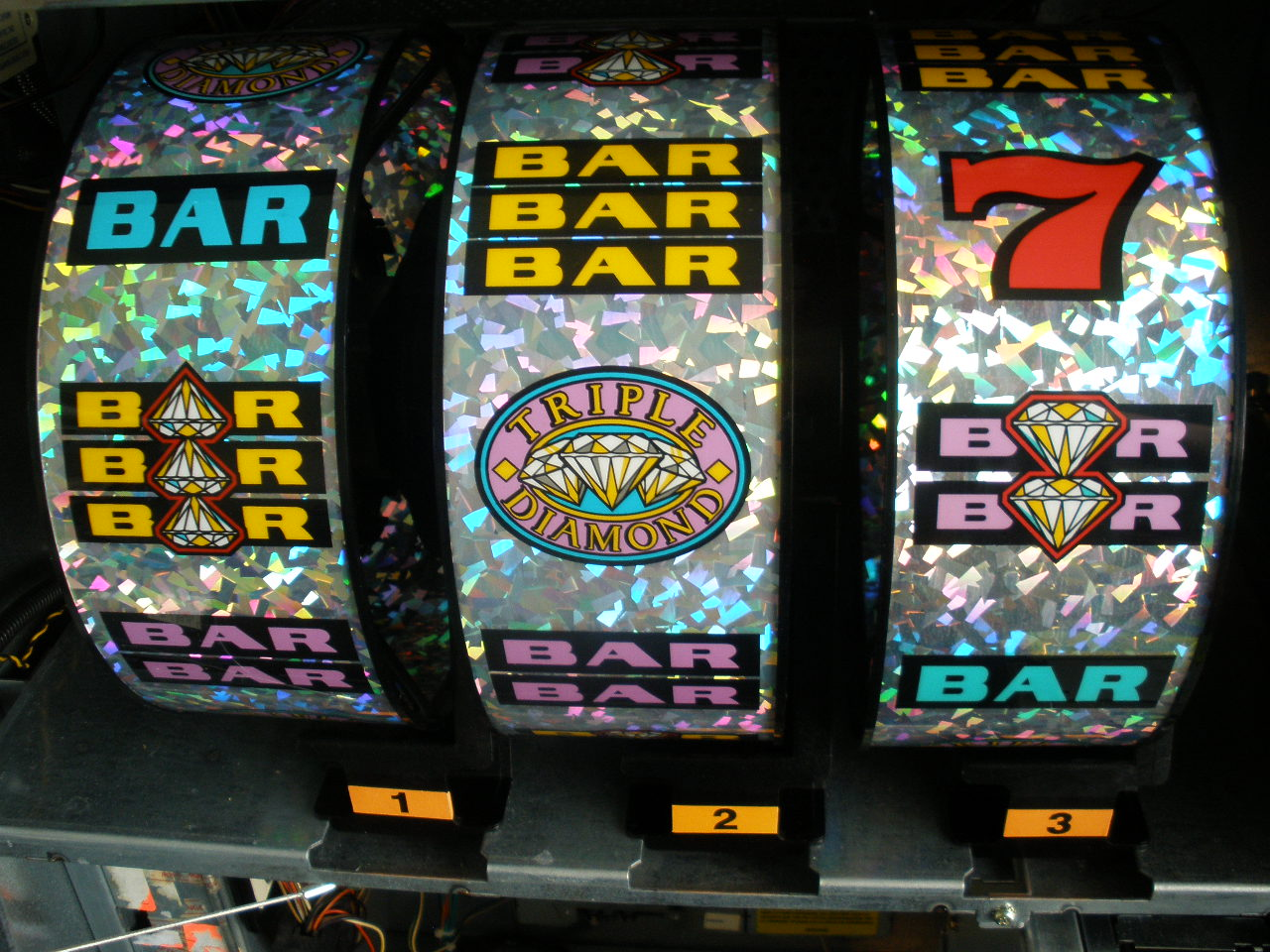 Triple Diamond Deluxe Free Slots