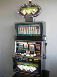IGT TRIPLE DIAMOND FLAT TOP S2000 SLOT MACHINE WITH LIGHTED TOPPER