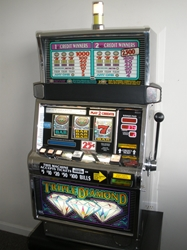 IGT TRIPLE DIAMOND FLAT TOP S2000 SLOT MACHINE