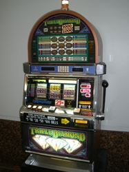 IGT TRIPLE DIAMOND NINE LINE S2000 SLOT MACHINE (SPARKLE REELS)