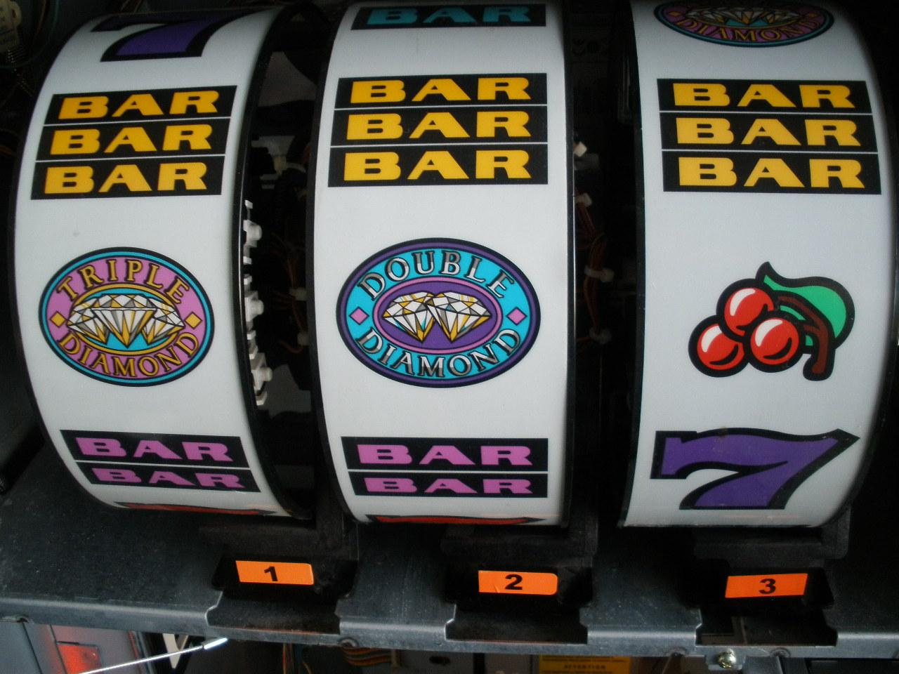 Double Diamond Casino