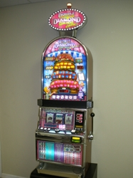 IGT TRIPLE DOUBLE DIAMOND DELUXE WITH CHEESE BARCREST S2000 SLOT MACHINE WITH LIGHTED TOPPER