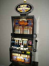 IGT WILD DOUBLE LUCKY STRIKE S2000 SLOT MACHINE WITH LIGHTED TOPPER