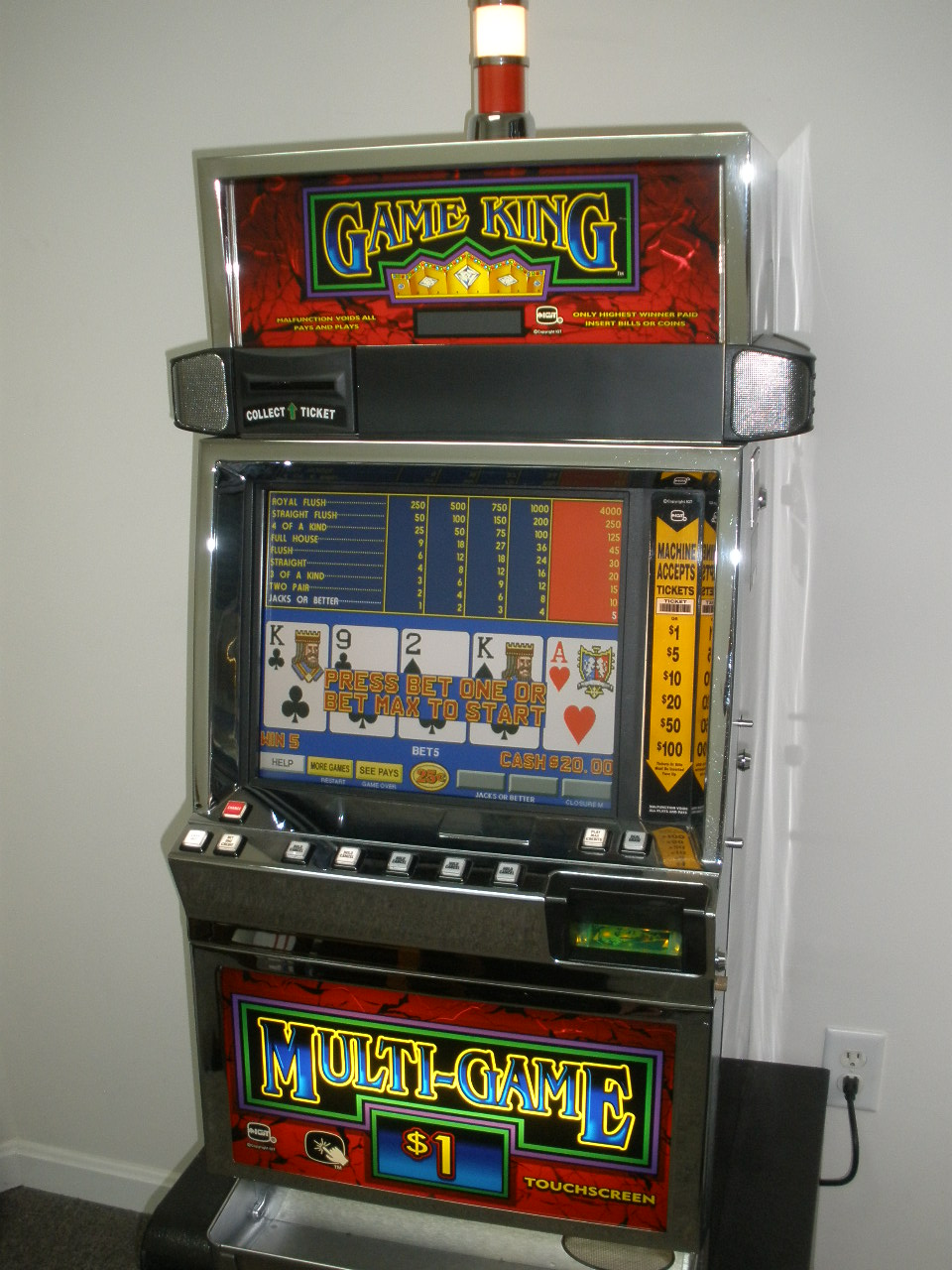 IGT GAME KING 4.3 VIDEO POKER MULTI GAME with LCD